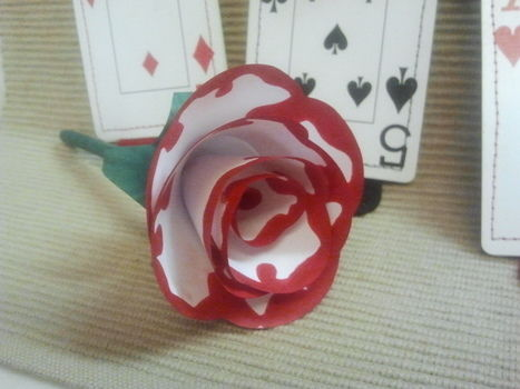 .  Fold an origami rose in under 10 minutes by papercrafting and paper folding Inspired by alice in wonderland, flowers, and hearts. Version posted by Pam. Difficulty: Simple. Cost: Cheap.