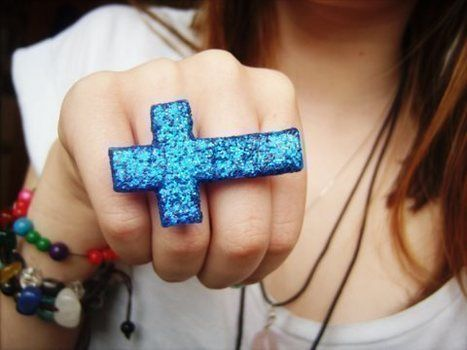 A inverted cross double ring covered in blue glitter :) .  Free tutorial with pictures on how to make a paper ring in under 90 minutes using glue and glitter. Inspired by clothes & accessories and crosses. How To posted by TheHappiiZombiie. Difficulty: Simple. Cost: 3/5. Steps: 7