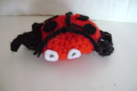 This is no creepy crawley, hes a nice easy going ladybird you will love!! :) .  Make a ladybird plushie in under 25 minutes by crocheting with wool and darning needle. Inspired by ladybirds. Creation posted by . Difficulty: Simple. Cost: Absolutley free.