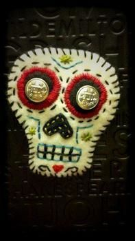 .  Make a fabric brooch in under 60 minutes by jewelrymaking, needleworking, cross stitching, embroidering, sewing, felting, and sewing Inspired by skulls & skeletons and sugar skulls. Version posted by Shannon D. Difficulty: Simple. Cost: Cheap.