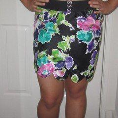 Scallop Hemmed Skirt