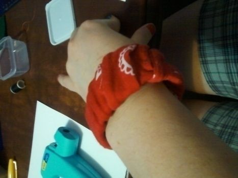 .  Make a wrapped bangle in under 20 minutes Version posted by Kan-Kan. Difficulty: Easy. Cost: Absolutley free.