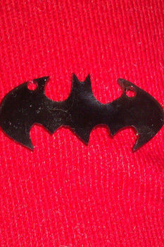 .  Make a shrink plastic pendant in under 30 minutes by jewelrymaking Inspired by batman. Version posted by Loopy. Difficulty: Simple. Cost: Absolutley free.