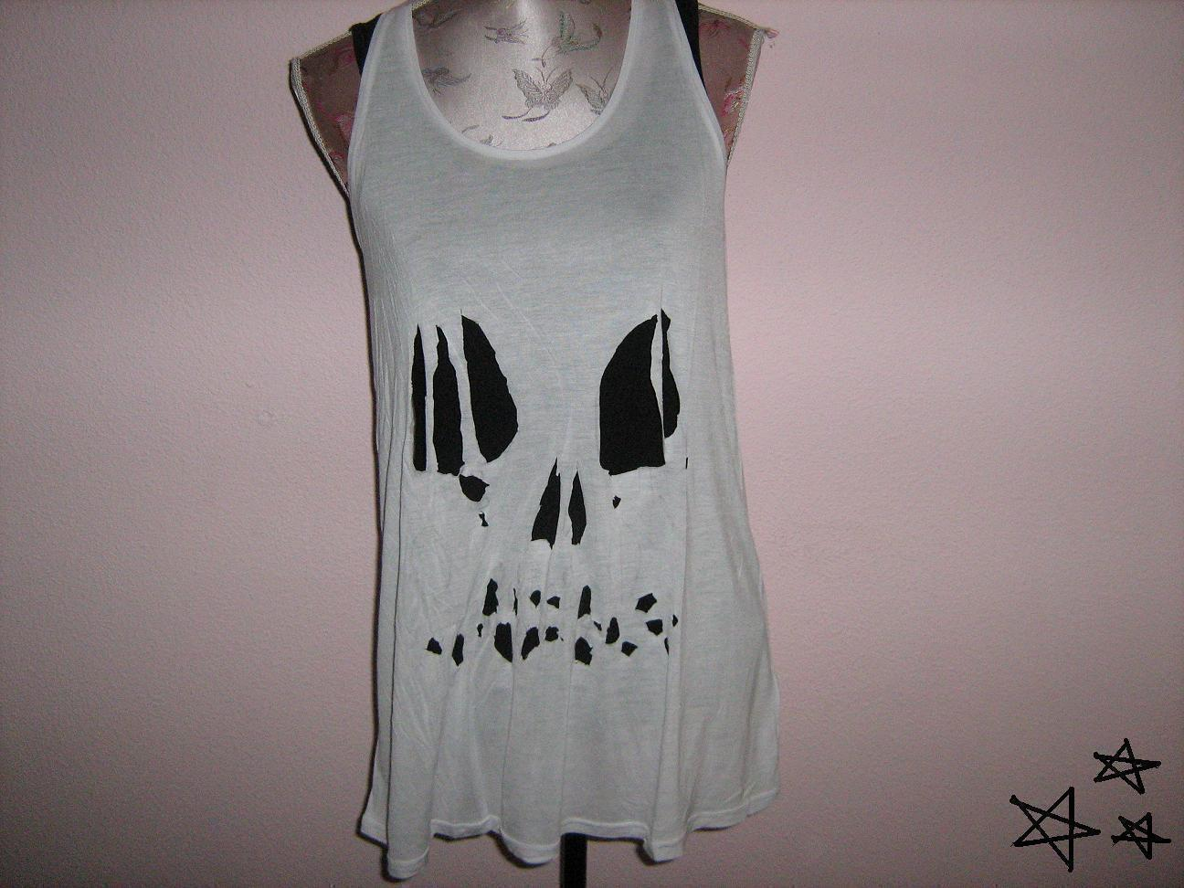 Easy Ripped Skull Tee How To Cut A Skull Cut Out Top