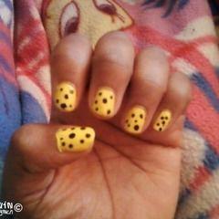 Yellow & Black Polka Dot Nails.