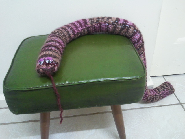 Knitted Door Snakey 183 How To Make A Draft Stopper 183 Sewing