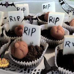 Graveyard Cupcakes