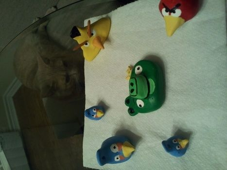 .  Sculpt a clay character charm in under 60 minutes by creating, drawing, decorating, jewelrymaking, and molding Inspired by creatures and angry birds. Version posted by Taylor Rea. Difficulty: Simple. Cost: Cheap.