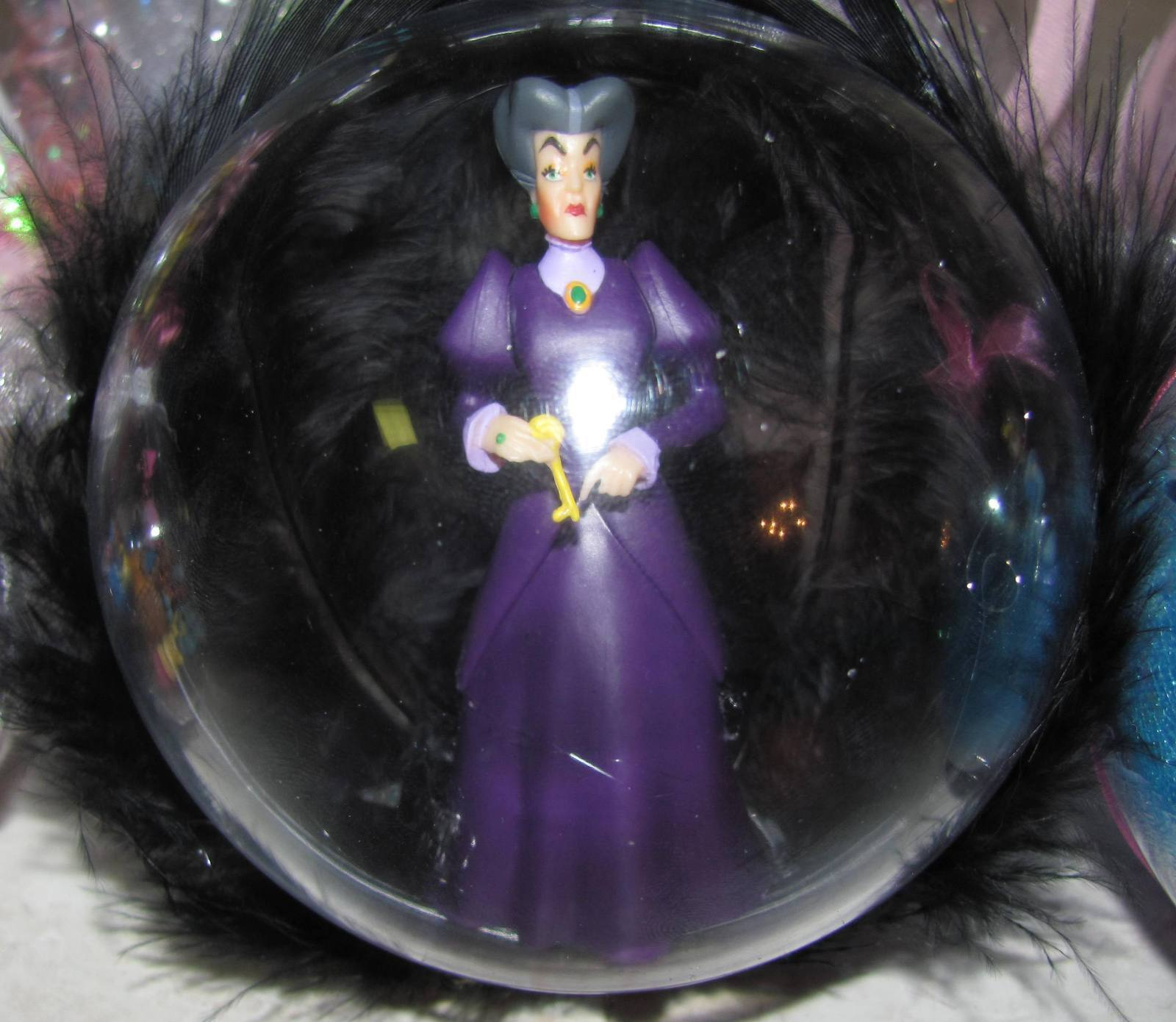 Diy disney christmas ornaments how to make a bauble decorating disney ornaments are so expensive make some yourself free tutorial with pictures on solutioingenieria Choice Image