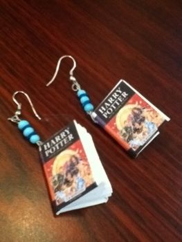 .  Make a pair of book earrings in under 20 minutes Inspired by harry potter. Version posted by Sparkles. Difficulty: Simple. Cost: Absolutley free.