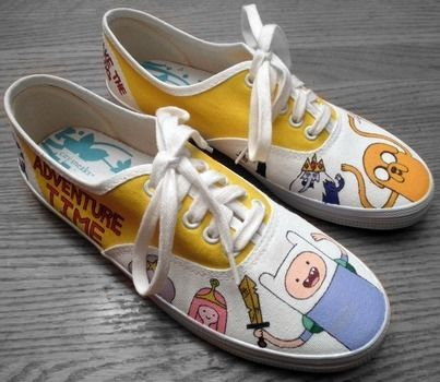 .  Paint a pair of character shoes by creating, drawing, and decorating Inspired by costumes & cosplay, monsters, and people. Version posted by Robin S. Difficulty: 3/5. Cost: 3/5.