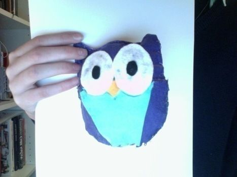 Easy to make owl .  Free tutorial with pictures on how to make a bird plushie in under 60 minutes by sewing and felting with felt. Inspired by creatures, owls, and owls. How To posted by Kate P. Difficulty: Simple. Cost: Absolutley free. Steps: 5