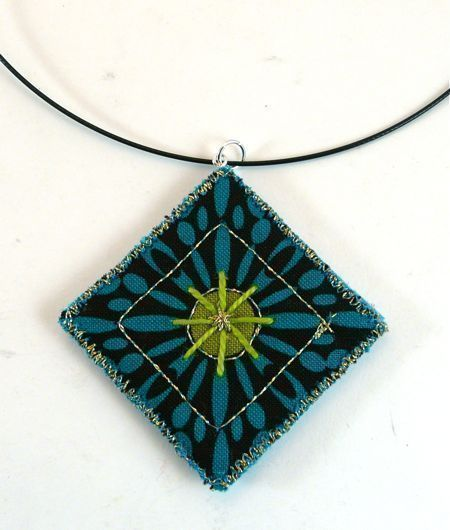 Quilted Pendant 183 How To Make A Fabric Necklace 183 Jewelry