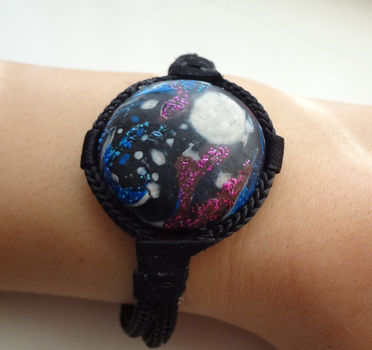 .  Sculpt a clay bracelet in under 180 minutes Inspired by alien and stars. Version posted by EVEnl. Difficulty: Simple. Cost: Cheap.