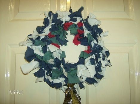 A fun way to use up old bedsheets .  Free tutorial with pictures on how to make a fabric wreath in under 120 minutes using materials and wreath. How To posted by SophieSaurus!. Difficulty: Easy. Cost: Absolutley free. Steps: 6