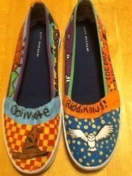 Is you name Oliver wood? Cause your a keeper (: .  Paint a pair of painted shoes in under 120 minutes by decorating with shoes. Creation posted by Kristen K. Difficulty: 3/5. Cost: Absolutley free.