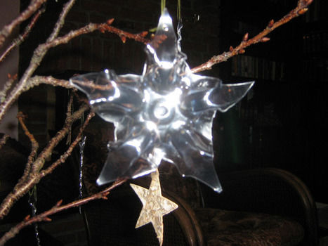 .  Make a snowflake in under 10 minutes by melting Inspired by christmas. Version posted by Maladignia. Difficulty: Simple. Cost: No cost.