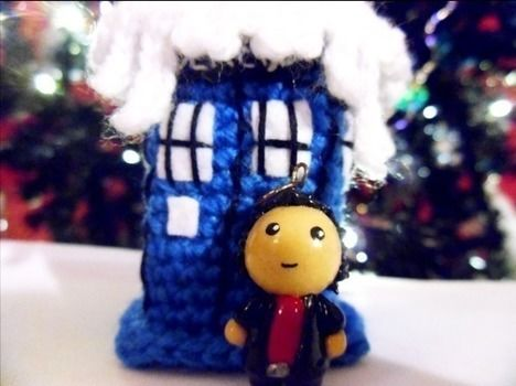 Did I mention it travels through time :) .  Make a Doctor Who plushie in under 180 minutes by molding and crocheting with crochet hook, wool, and clay. Inspired by dr who, dr who, and dr who. Creation posted by MizzzZim. Difficulty: 3/5. Cost: Absolutley free.