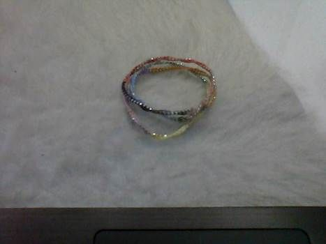 .  Make a chain bracelet in under 60 minutes Version posted by Kasey T. Difficulty: Simple. Cost: Absolutley free.