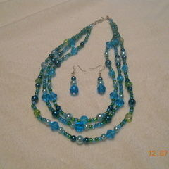 3 Strand Bead Necklace With Earings