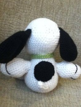 Charlie Brown's best friend .  Make a beagle plushie by crocheting and amigurumi Creation posted by Sandra L. Difficulty: Easy. Cost: No cost.