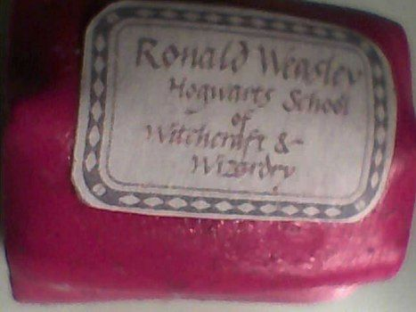 RONALD WEASLEY! .  Sculpt a clay character charm in under 60 minutes by jewelrymaking and molding with polymer clay and polymer clay glaze. Inspired by harry potter. Creation posted by Minimax. Difficulty: 3/5. Cost: Absolutley free.