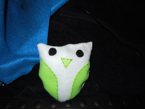 .  Make a bird plushie in under 60 minutes by needleworking, sewing, and felting Inspired by creatures and owls. Version posted by Micayla R. Difficulty: 3/5. Cost: Cheap.