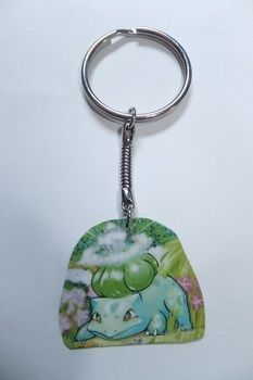 BULBA-SAUR! .  Make a charm / keyring in under 30 minutes by jewelrymaking with varnish, key ring, and pokemon cards. Creation posted by JossieAyame. Difficulty: Easy. Cost: Absolutley free.