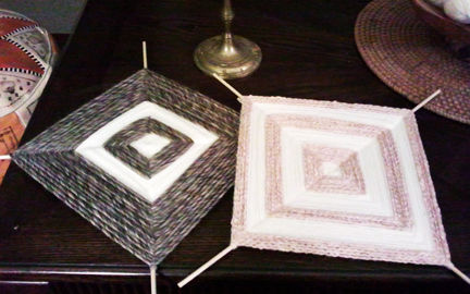 Remember these?! .  Free tutorial with pictures on how to make string art in under 120 minutes by yarncrafting with scissors, yarn, and wooden dowels. How To posted by Heather S.  in the Yarncraft section Difficulty: Simple. Cost: Cheap. Steps: 9