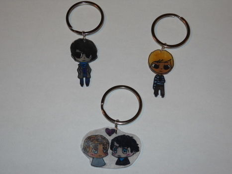 You'll never lose your keys with these Sherlockian keychains. .  Make a shrink plastic charm in under 30 minutes by drawing, baking, and jewelrymaking with jump rings, key ring, and shrink plastic. Inspired by kawaii, people, and sherlock holmes. Creation posted by Desert_Rose. Difficulty: Easy. Cost: Cheap.
