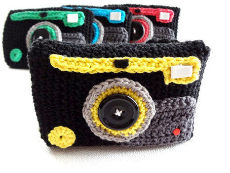 Go-to point-and-shoot! .  Stitch a knit or crochet pouch in under 120 minutes by yarncrafting, crocheting, and amigurumi with felt, thread, and buttons. Inspired by geeky, camera, and gadgets. Creation posted by EVEnl. Difficulty: Easy. Cost: Absolutley free.
