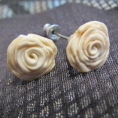 White/Gold Rose Earrings
