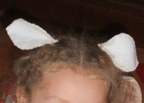 .  Make an ear / horn in under 30 minutes by decorating, sewing, and sewing Inspired by halloween, costumes & cosplay, and deer. Version posted by aufildesjours. Difficulty: Simple. Cost: Absolutley free.