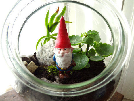 Mold making can be tricky :) .  Sculpt a clay gnome in under 30 minutes by molding with acrylic paint, varnish, and plaster. Inspired by gnomes. Creation posted by EVEnl. Difficulty: 3/5. Cost: Absolutley free.