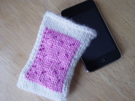 A delectable treat for your eyes to eat! :) .  Stitch a knit or crochet pouch by knitting with yarn, knitting needles, and skills. Inspired by pop tarts. Creation posted by sweetsundae0. Difficulty: Simple. Cost: Absolutley free.