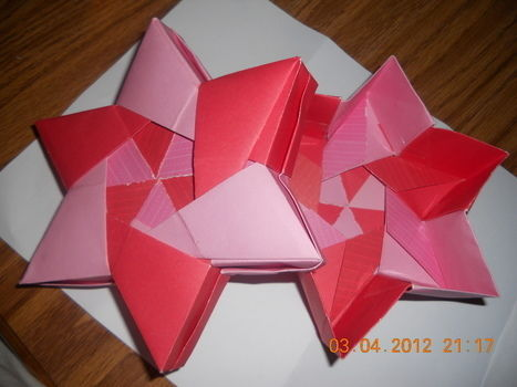 Beautiful paper folding  .  Fold an origami shape in under 60 minutes by decorating, paper folding, and paper folding with paper. Inspired by stars and stars. Creation posted by mosskeeto. Difficulty: 4/5. Cost: Absolutley free.
