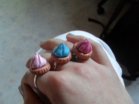 Iced gems .  Free tutorial with pictures on how to make a clay ring in under 60 minutes by jewelrymaking with glue, acrylic paint, and clay. Inspired by kawaii, clothes & accessories, and candy. How To posted by Isaura . Difficulty: 3/5. Cost: Cheap. Steps: 11