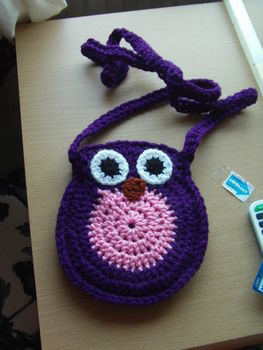 Twit-twooo .  Make an animal bag in under 90 minutes by crocheting with crochet hook and wool. Inspired by owls. Creation posted by Claire J. Difficulty: Easy. Cost: Cheap.