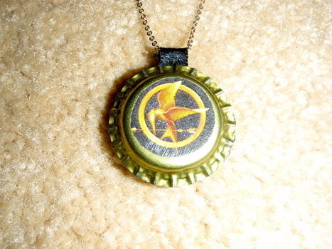 .  Make a bottle cap pendant in under 30 minutes Inspired by steampunk, costumes & cosplay, and vintage & retro. Version posted by Olivia H. Difficulty: Simple. Cost: Absolutley free.