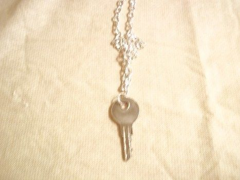 Key chain. Get it? Haha! .  Make a key pendant in under 10 minutes by jewelrymaking with key. Inspired by vintage & retro and clothes & accessories. Creation posted by Ashley P. Difficulty: Easy. Cost: Absolutley free.