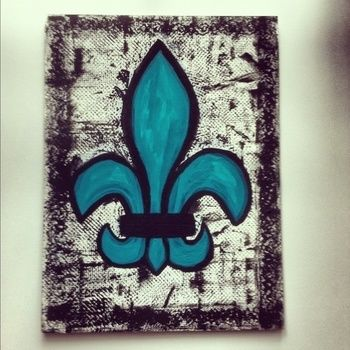Teal fleur de lis with textured background! .  Create art / a model in under 50 minutes by drawing and decorating with paint and canvas. Inspired by french. Creation posted by Allex. Difficulty: Simple. Cost: Cheap.