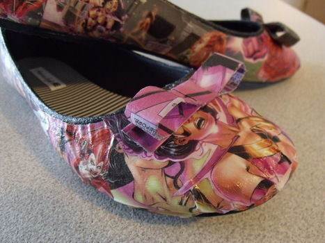 Star Sapphire Comic Book Flats .  Make a pair of decoupage shoes in under 120 minutes by decorating with decoupage glue, shoes, and comic. Creation posted by Bettie 42. Difficulty: Easy. Cost: No cost.
