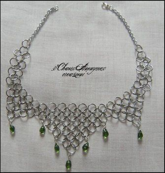 Chocker in chain  .  Make a chainmaille necklace in under 40 minutes by jewelrymaking with jump rings and teardrop bead. Inspired by halloween, valentine's day, and gothic. Creation posted by ChaosAnonyme. Difficulty: 3/5. Cost: Cheap.