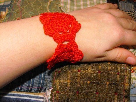 A dainty little bracelet .  Stitch a knit or crochet bracelet in under 60 minutes by crocheting with crochet hook, crochet hook, and crochet thread. Creation posted by jamison_star. Difficulty: 4/5. Cost: Cheap.