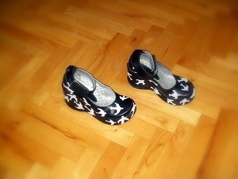 .  Paint a pair of animal shoes by creating and decorating Inspired by miu miu and clothes & accessories. Version posted by GoreSultan. Difficulty: Simple. Cost: Cheap.