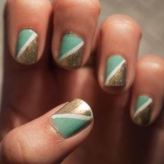 Half Triangle Nails