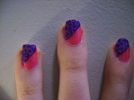 Fun, easy to do nails. .  Free tutorial with pictures on how to paint an animal nail in under 120 minutes by nail painting and nail painting with nail polish, time, and skills. Inspired by leopard print. How To posted by ZomBree23. Difficulty: Simple. Cost: Cheap. Steps: 6