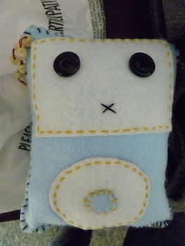 .  Make a gadget plushie in under 120 minutes by sewing Inspired by kawaii, ipod, and ipod. Version posted by Susie H. Difficulty: Easy. Cost: Cheap.