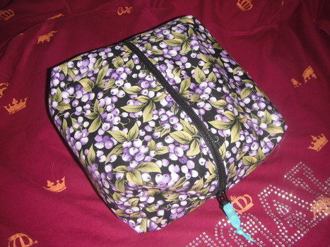 It's so cool! .  Make a washbag in under 60 minutes by sewing with fabric and zipper. Creation posted by Alias Dani. Difficulty: Simple. Cost: Cheap.
