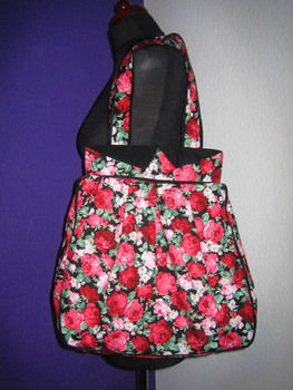 .  Sew a bow bag in under 180 minutes by constructing and dressmaking Inspired by flowers, clothes & accessories, and anthropologie. Version posted by So. Difficulty: 3/5. Cost: Cheap.